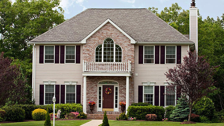 7 popular architectural design styles for u s homes for Popular architectural styles